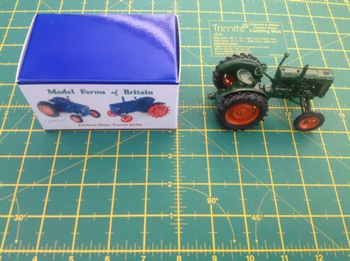 "A Britains Fordson Tractor Fordson Major E27N ""  Rubber  Wheels "" Finished in Green copy model """